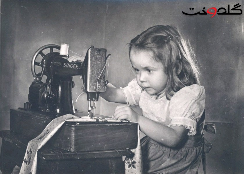 Vintage-Girl-Sewing